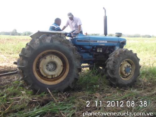 Fotos de tractor ford 7610 D T a la venta en Acarigua